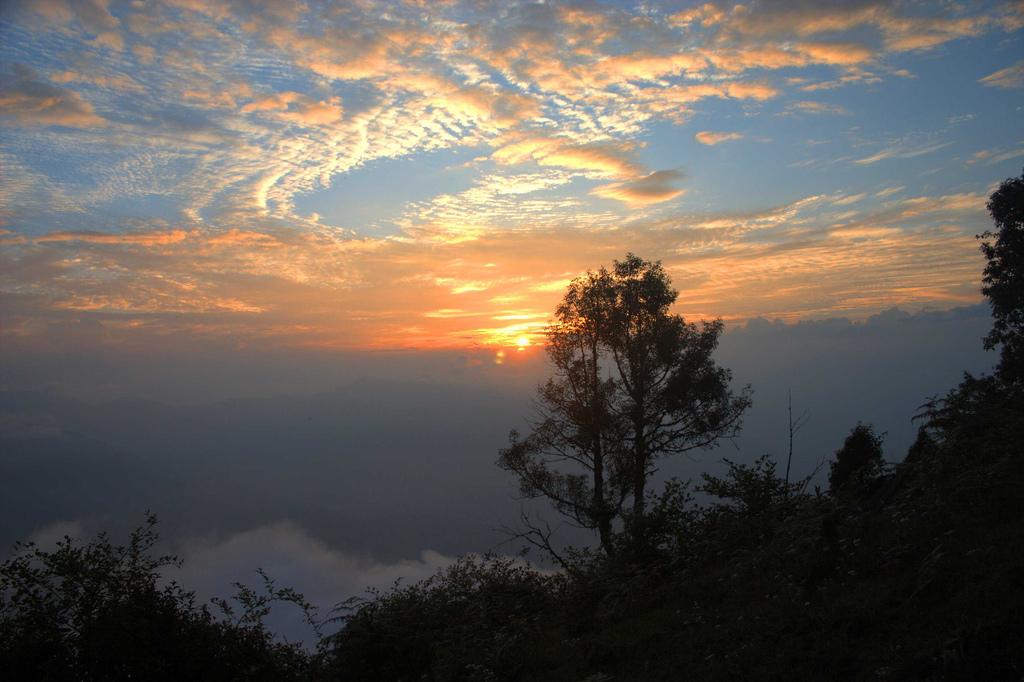 Sun set in Neora Valley
