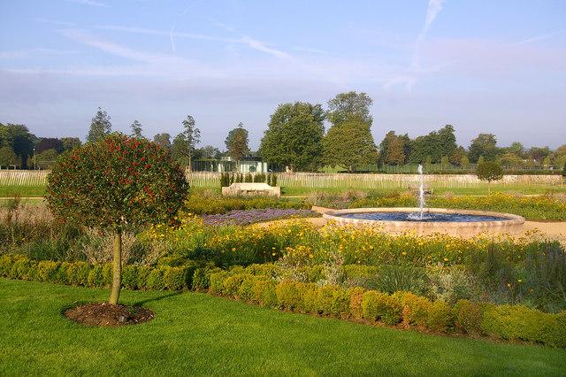 Sunken garden, Priory Park - geograph.org.uk - 1095546