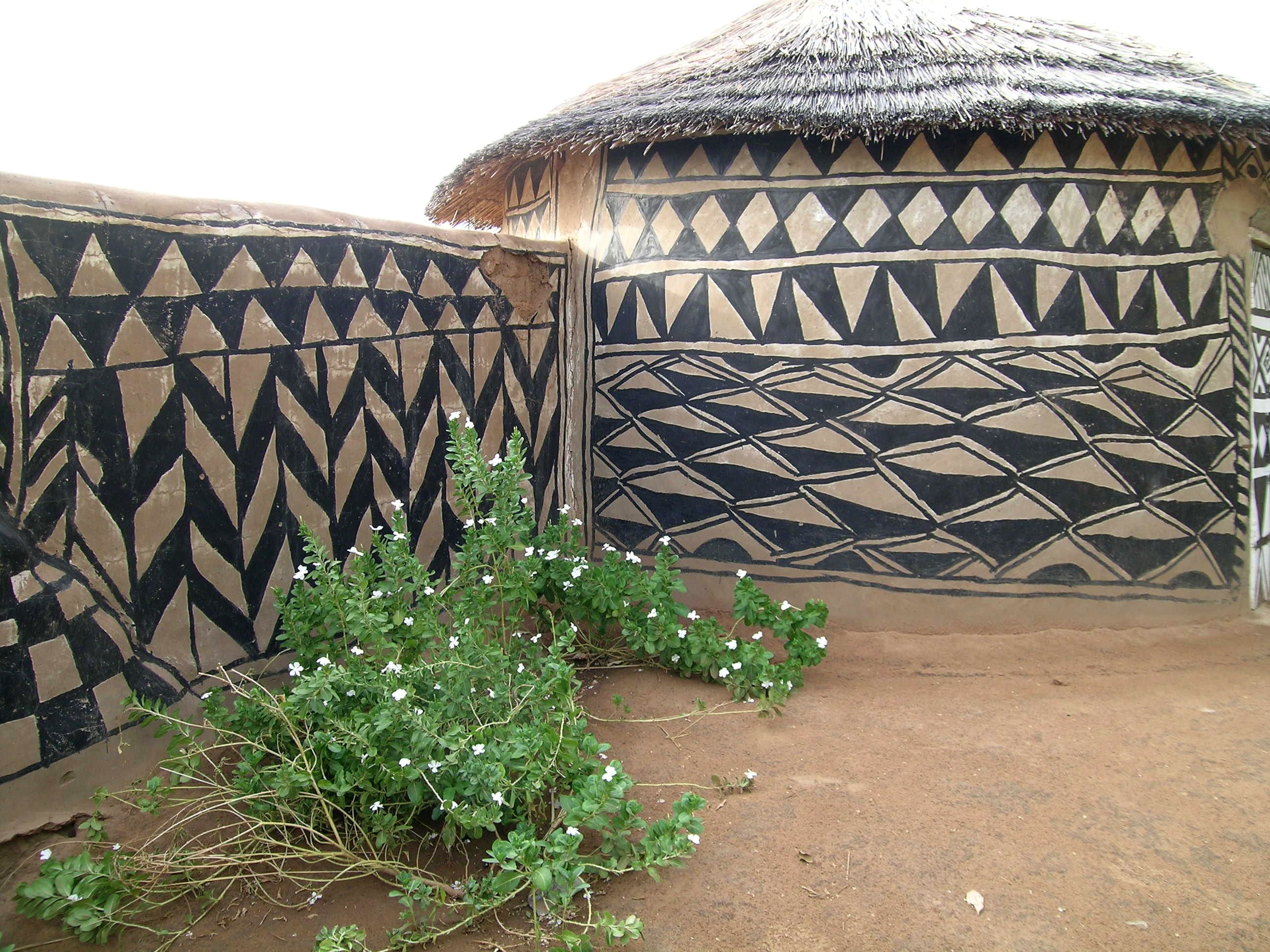 file:tiebele traditional house decoration burkina faso