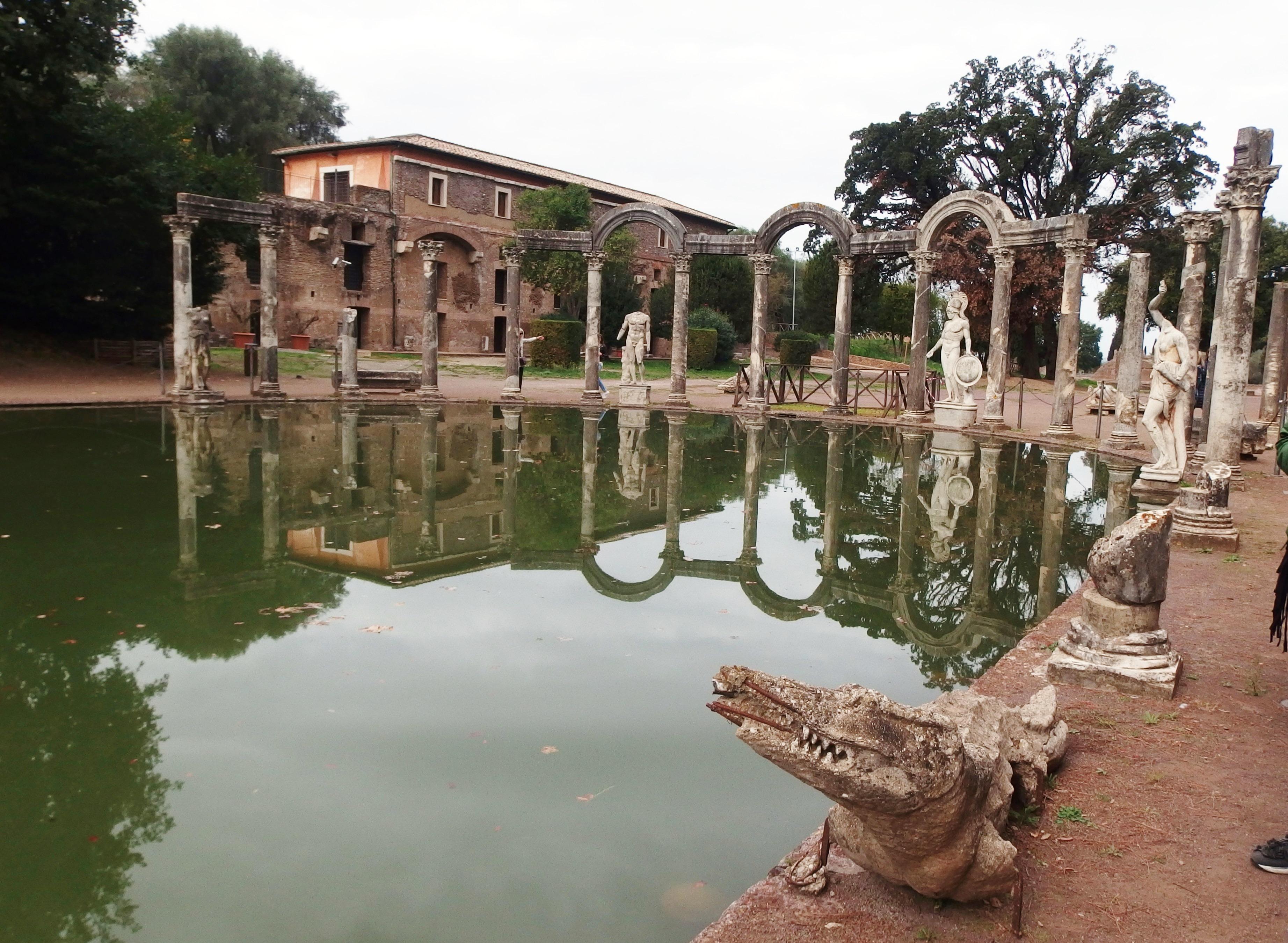 File:Tivoli, Villa Adriana, Canopo (07).jpg - Wikimedia Commons