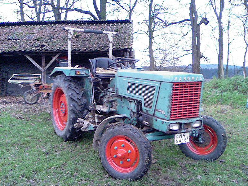 [Hanomag Barreiros R-335S] Presentación y restauración de mi tractor - Página 3 Traktor_Hanomag_Perfekt_0013