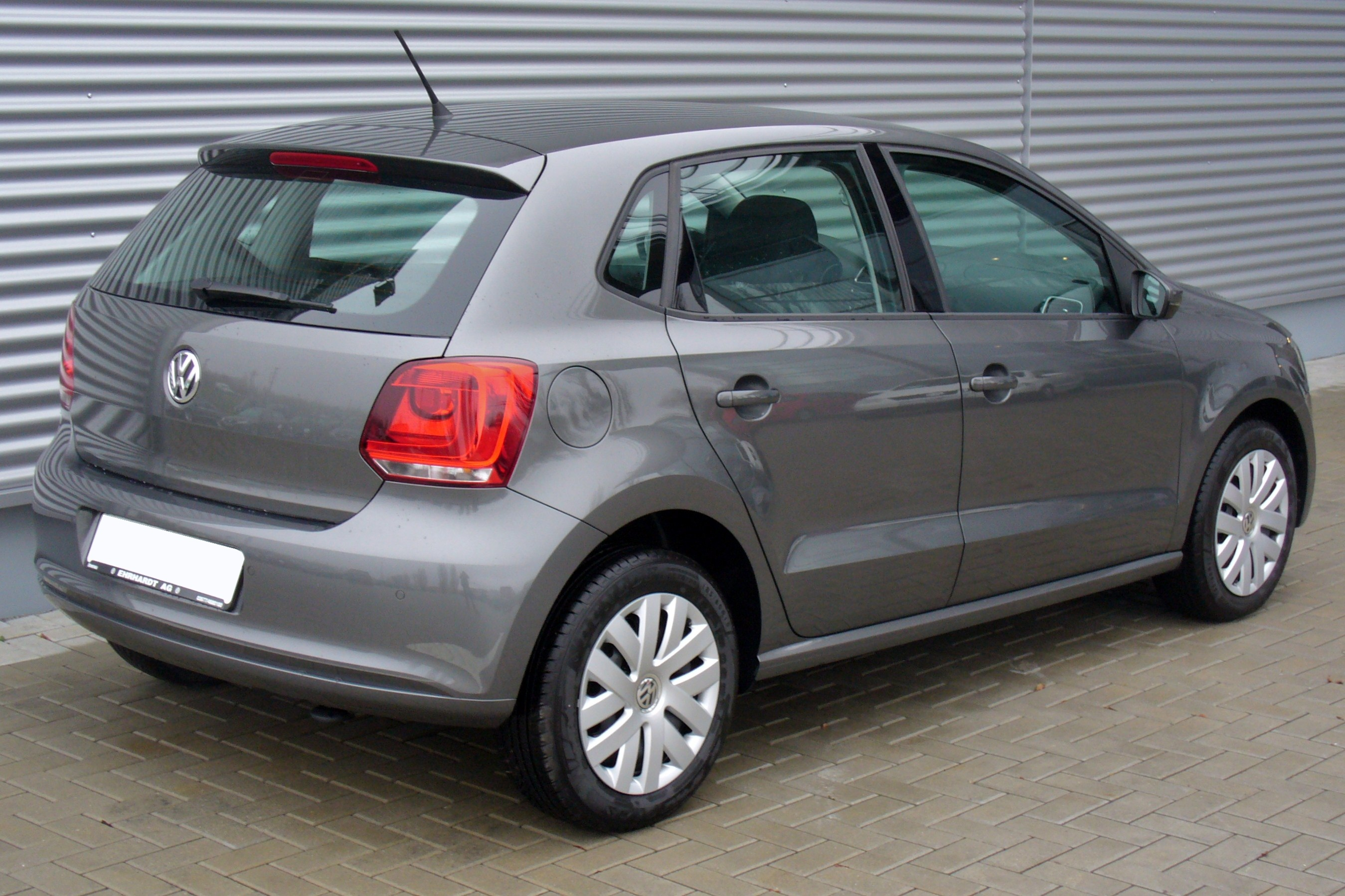 file vw polo v 1 2 comfortline pepper grey heck jpg wikimedia commons. Black Bedroom Furniture Sets. Home Design Ideas