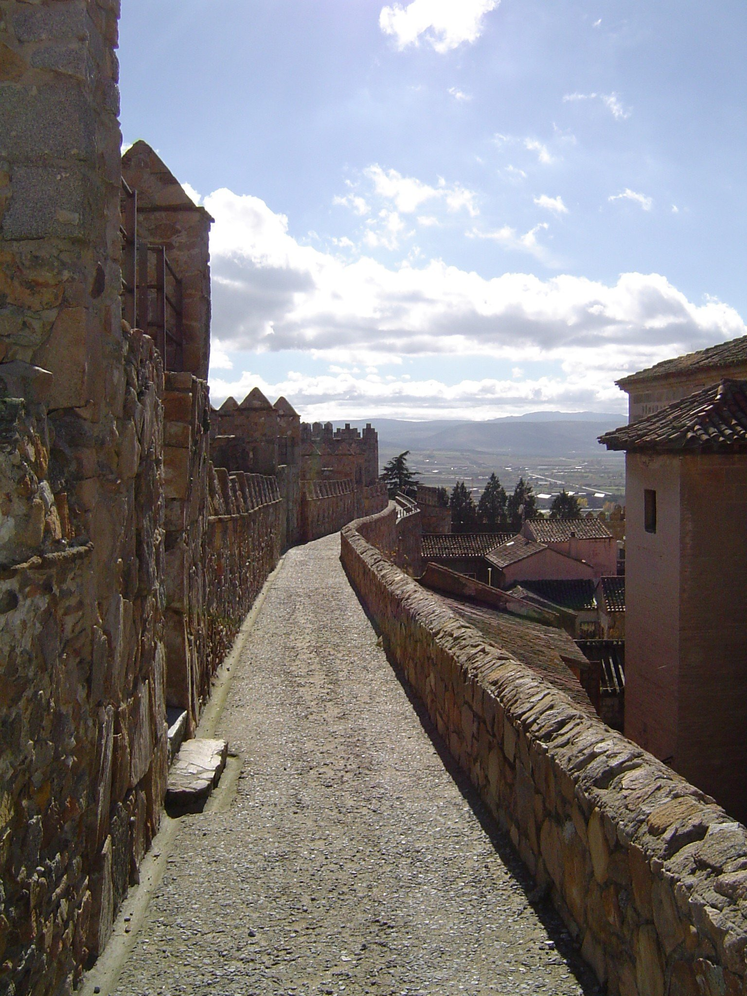 file walkway along avila wall jpg wikimedia commons