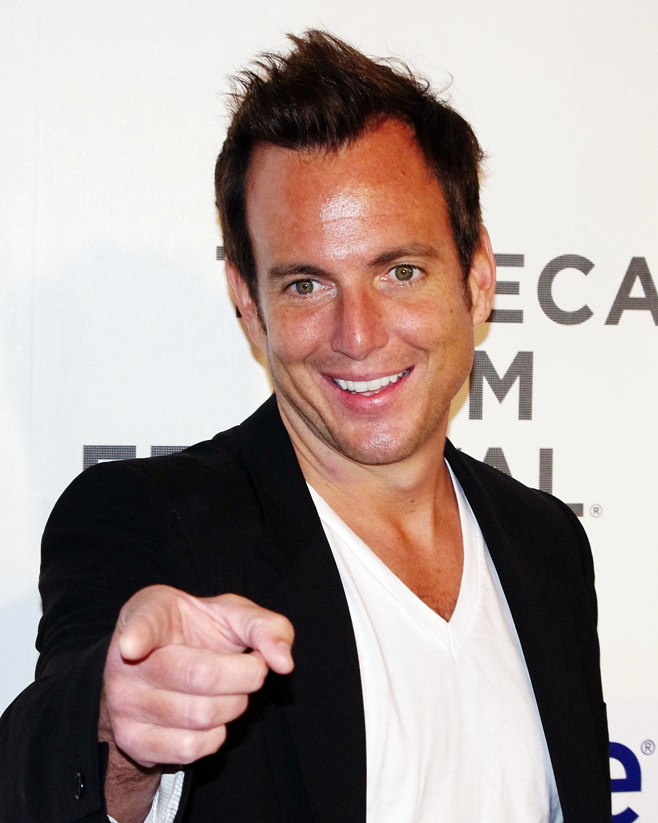 Will Arnett earned a  million dollar salary, leaving the net worth at 12 million in 2017