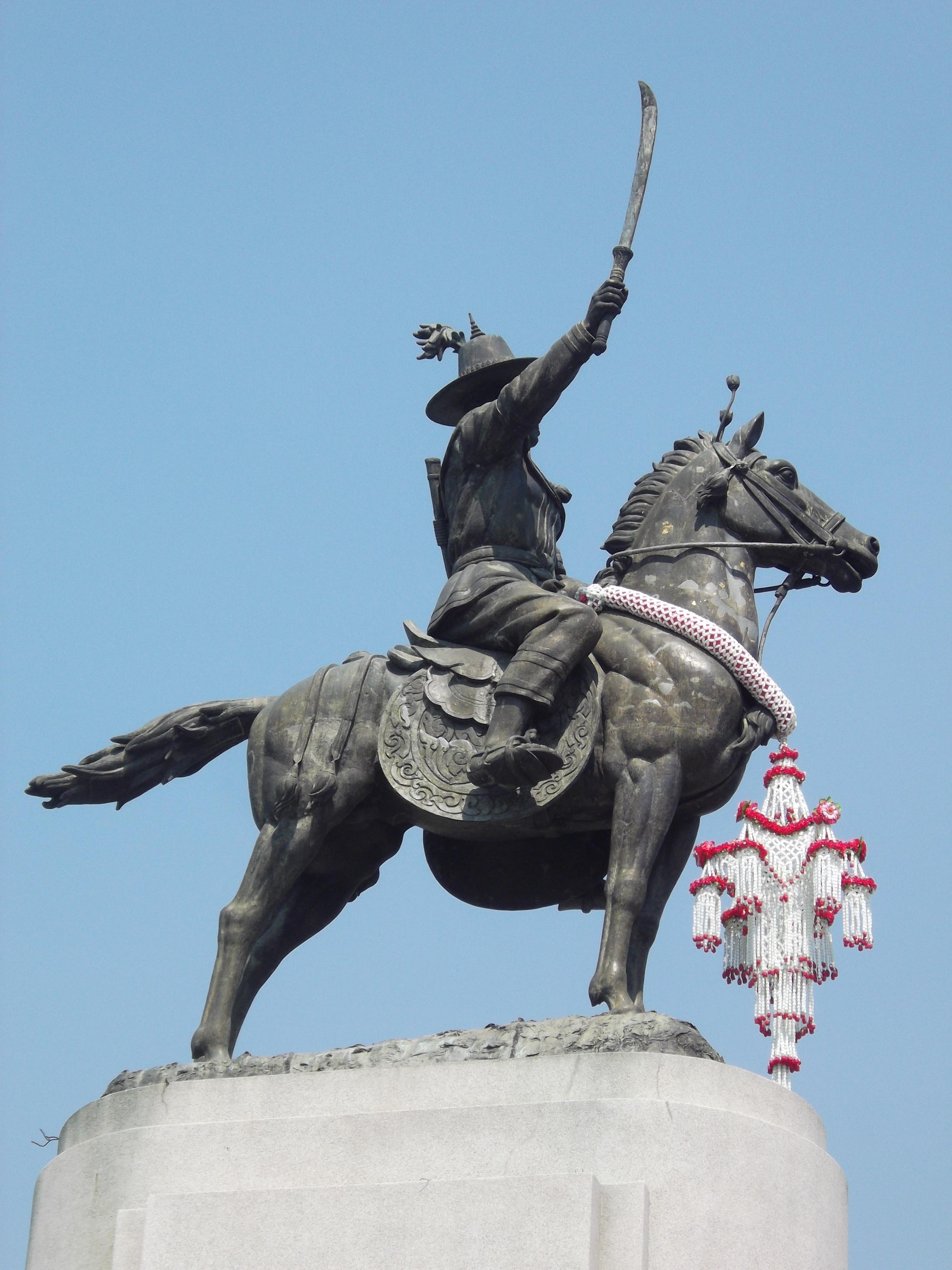 File:พระบรมราชานุสาวรีย์ สมเด็จพระเจ้าตากสินมหาราช เขตธนบุรี กรุงเทพมหานคร  (8).jpg - Wikimedia Commons