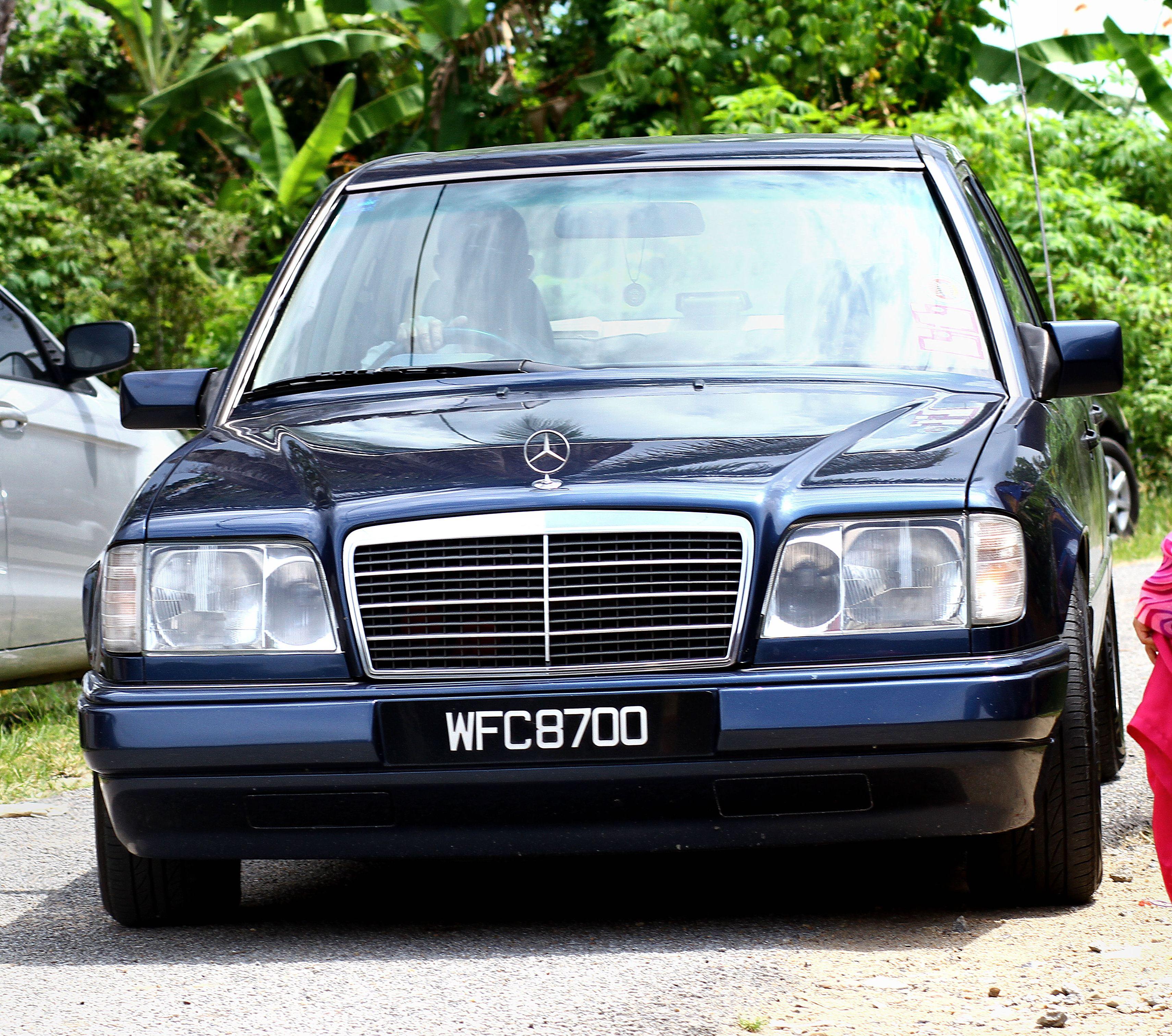 1996 Mercedes W124 E
