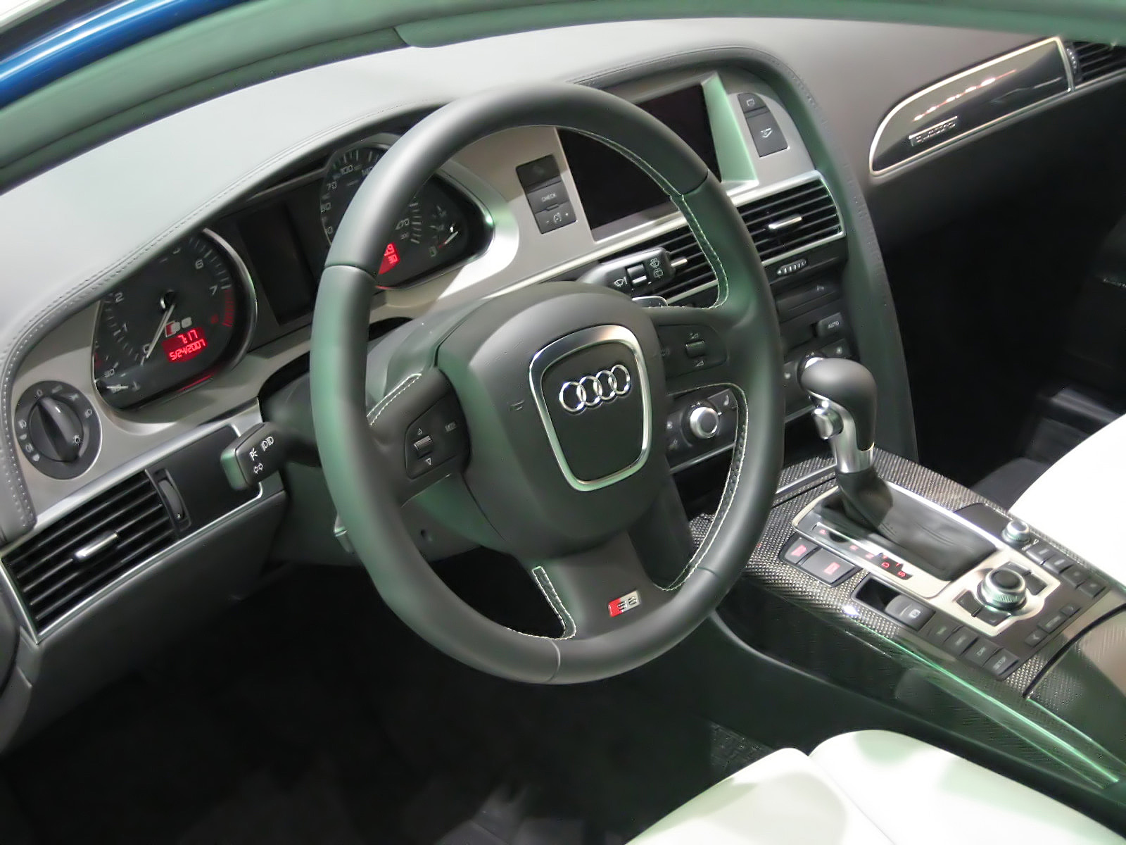 File Audi S Avant InteriorJPG Wikimedia Commons - Audi s6 interior