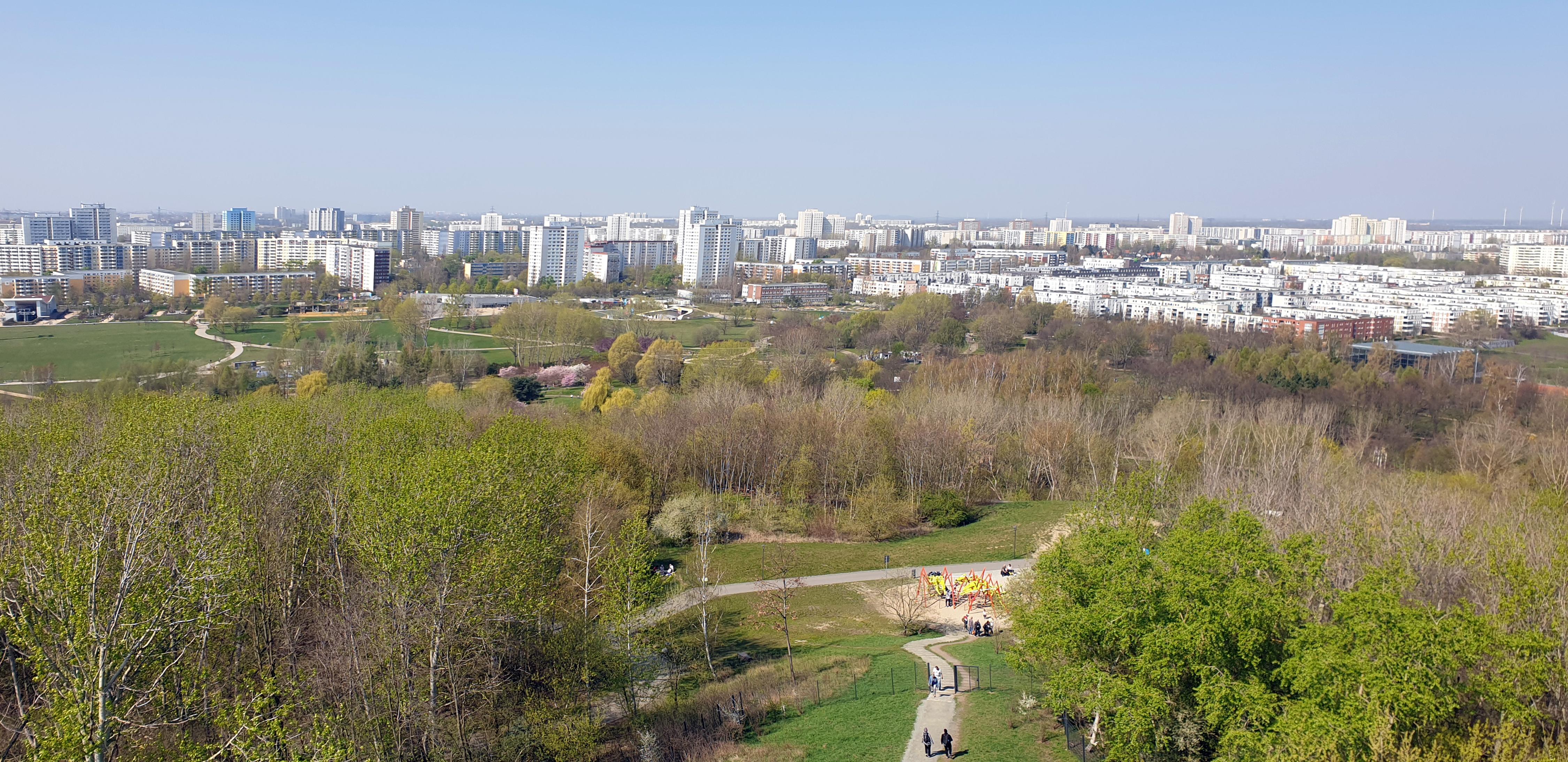 File:20190407 125340 Blick vom Kienberg. Gärten der Welt ...
