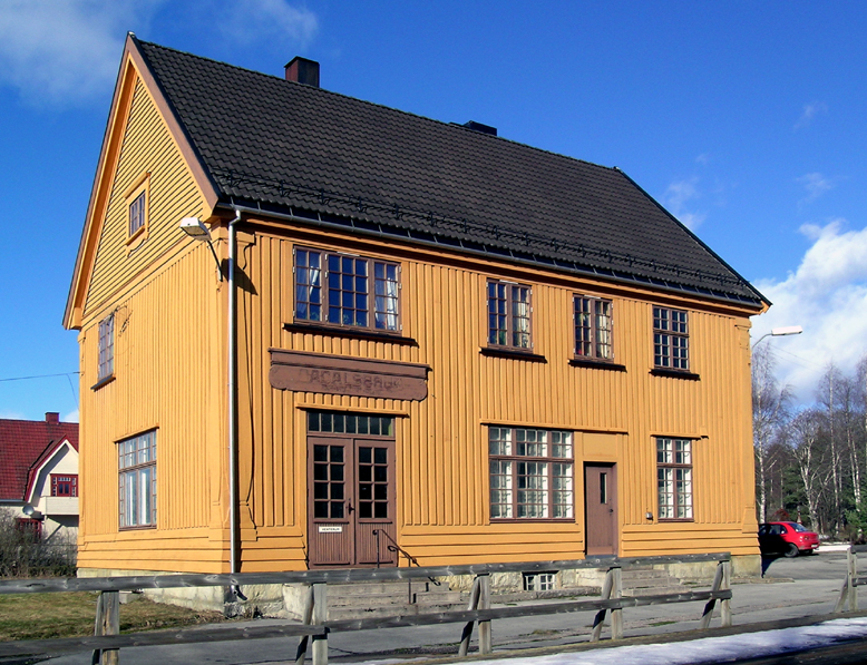 Ådalsbruk Station