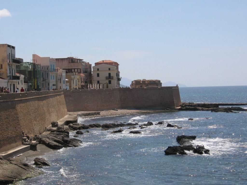 Alghero Walls.jpg