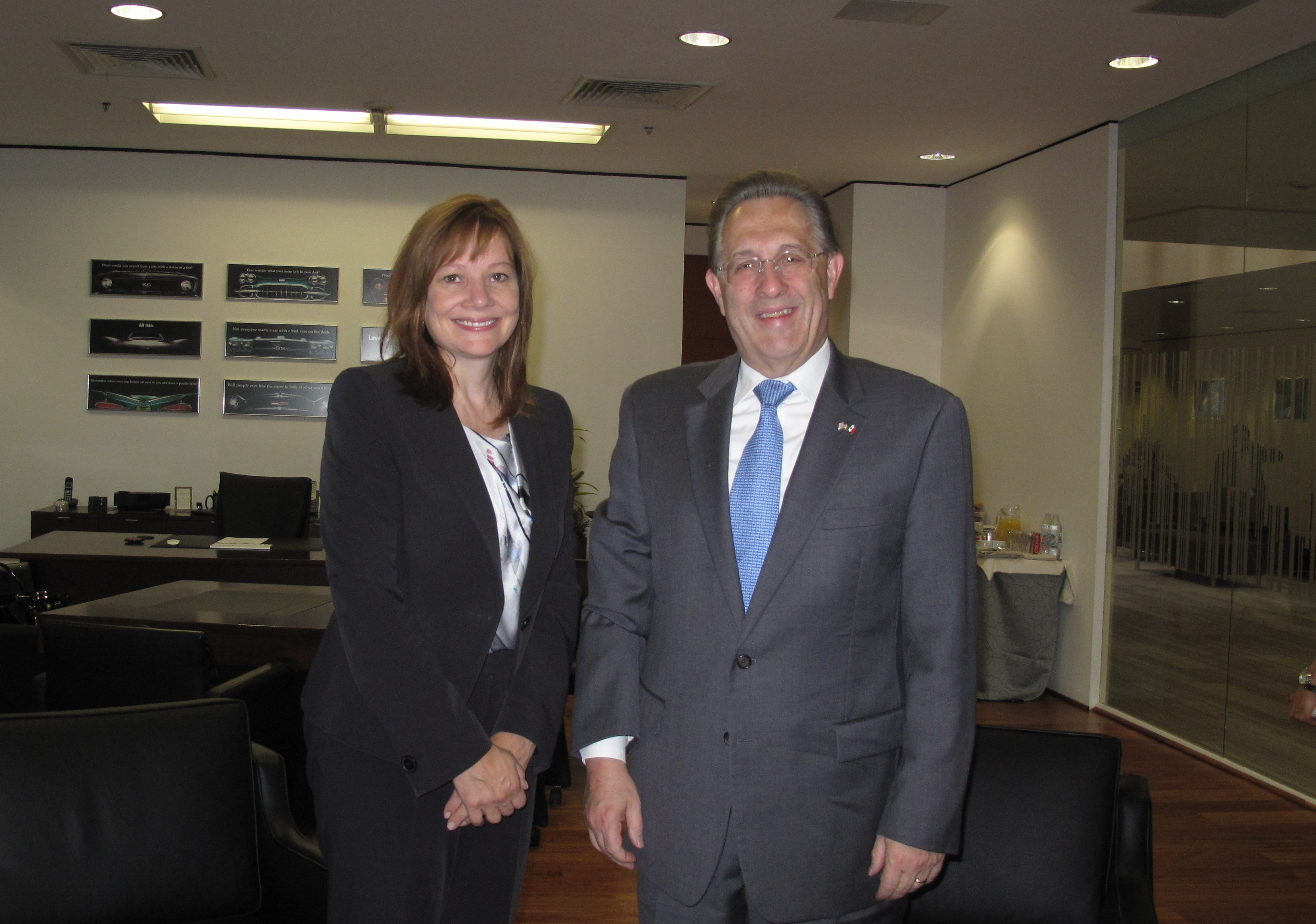 File Ambassador Wayne With Mary Barra August 2014 Jpg