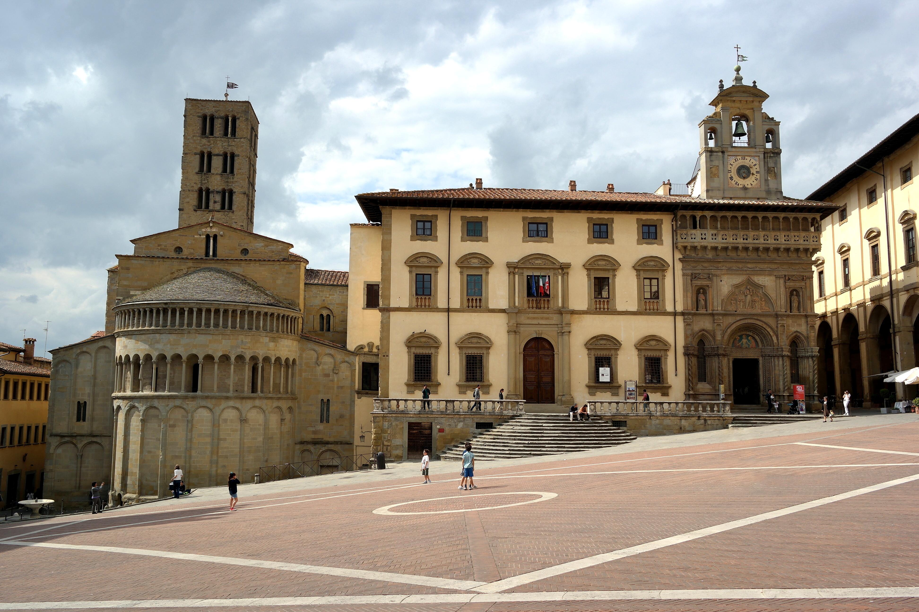 700d8da4b7e2 Arezzo - Wikipedia