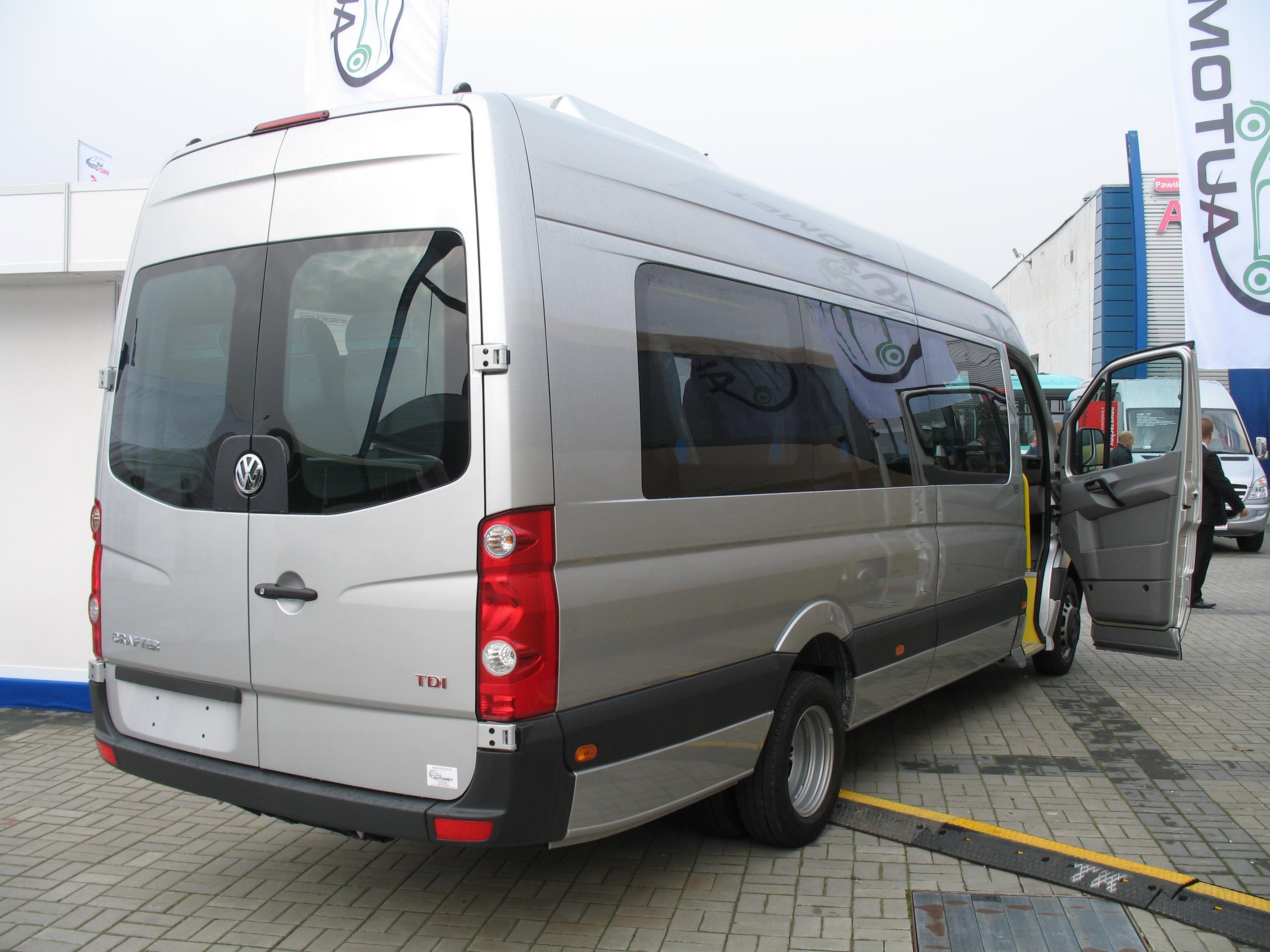 New Volkswagen Bus >> File:Automet VW Crafter TDI end.jpg - Wikimedia Commons