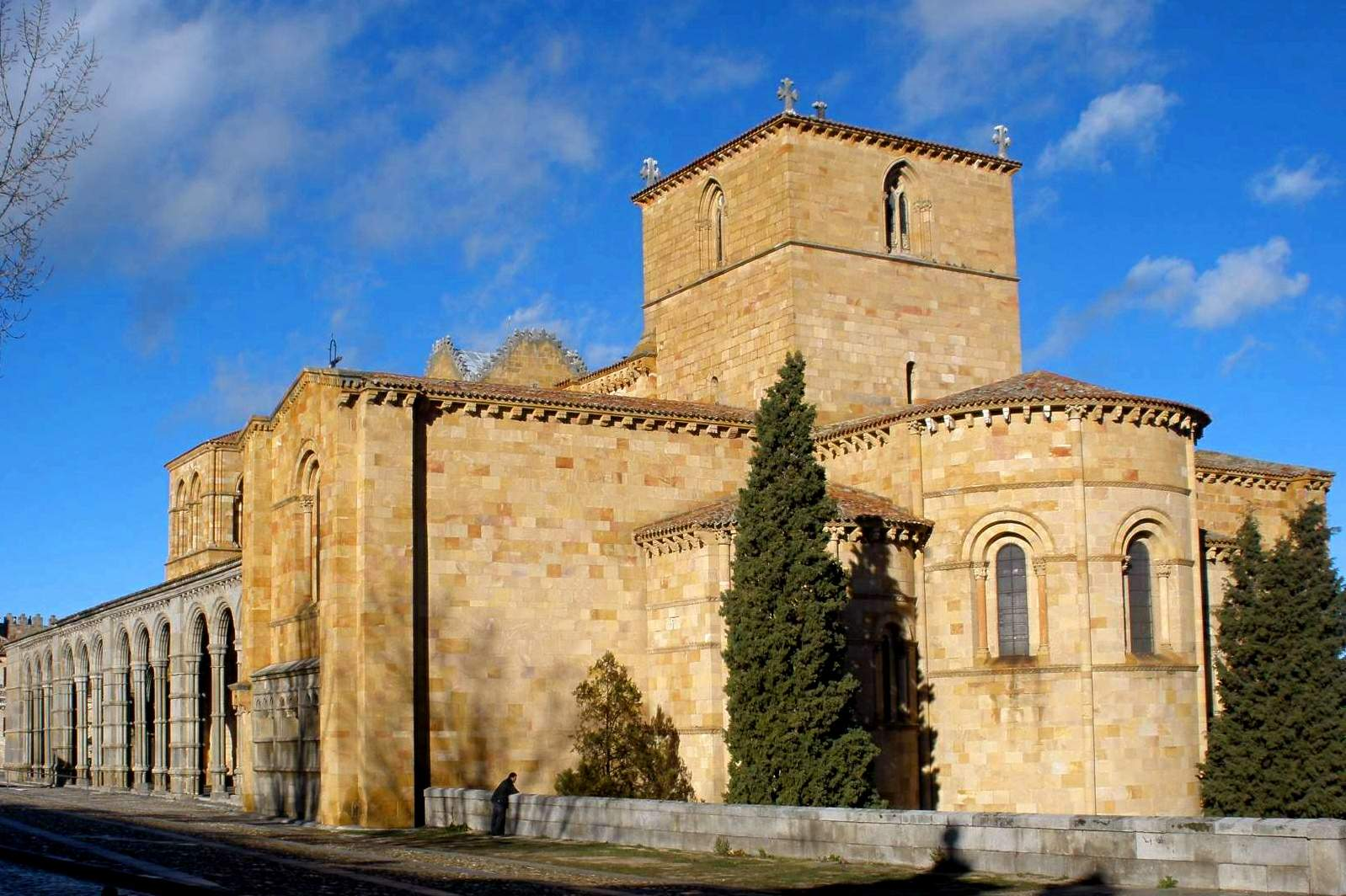 File Avila Basilica De San Vicente Exteriores 22 Jpg Travel Guide At Wikivoyage