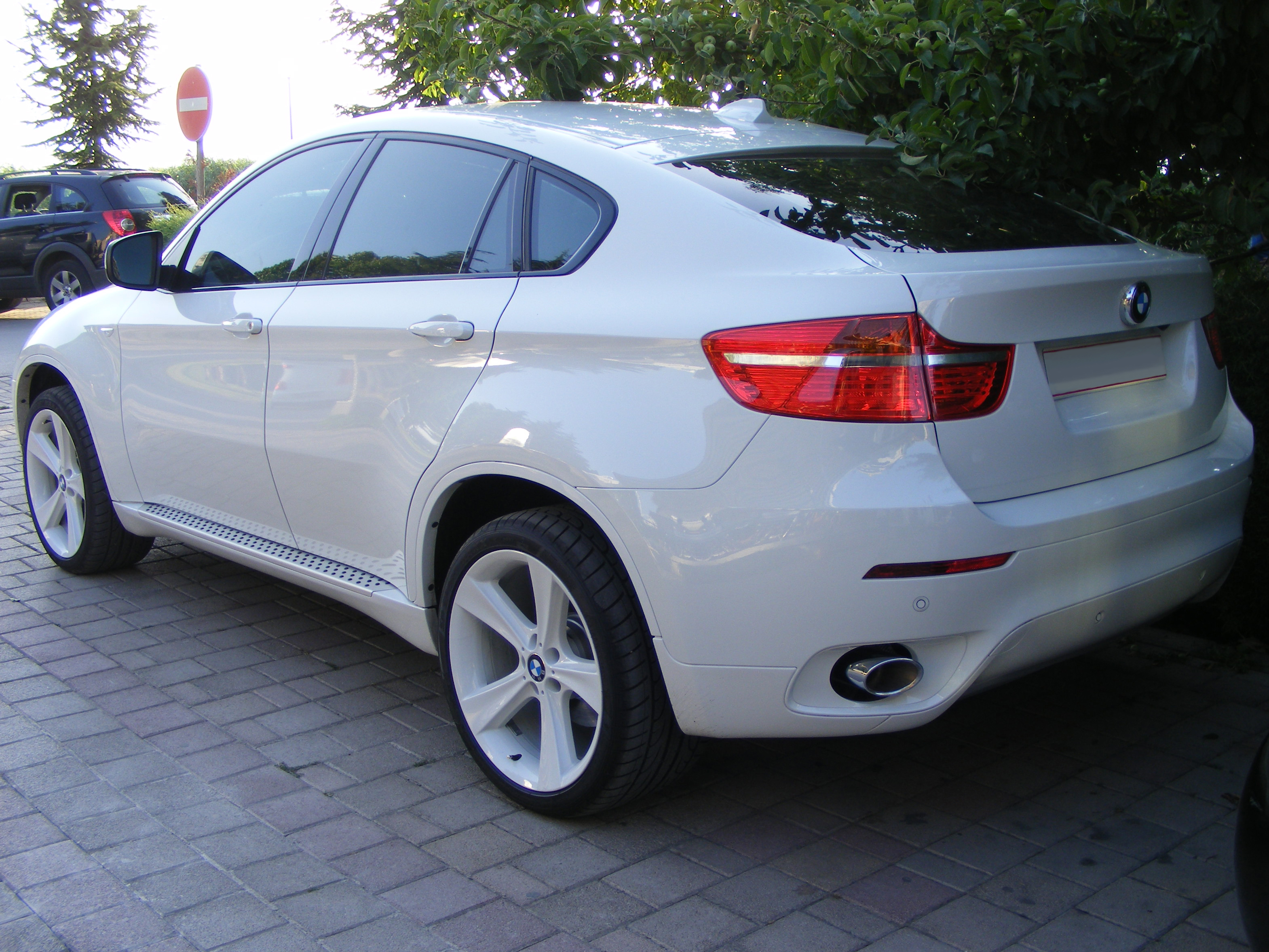 File Bmw X6 Rear Jpg Wikimedia Commons