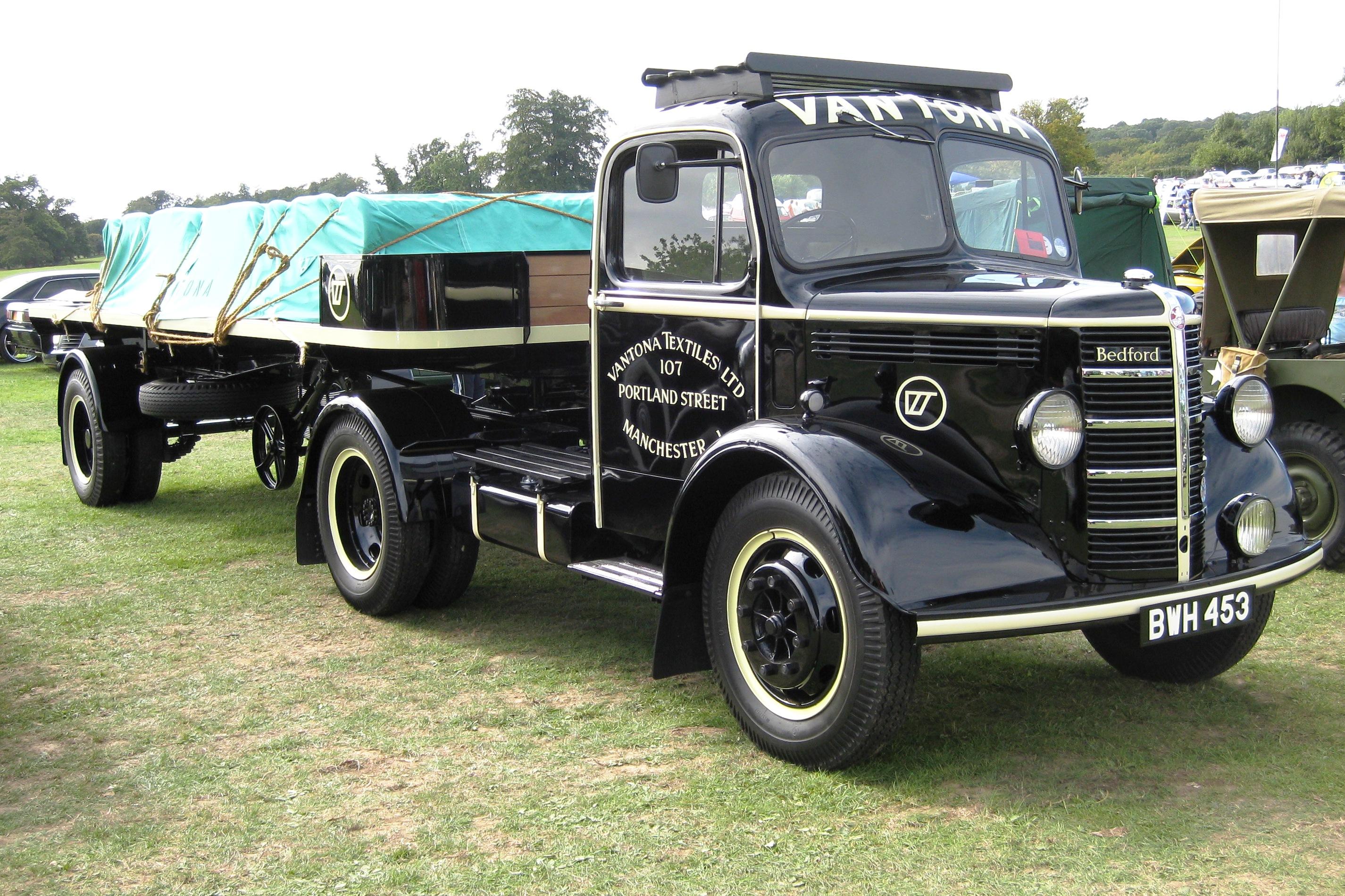 File Bedford K Series Truck Near Stevenage Jpg Wikimedia