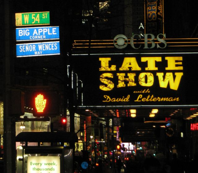 File:Big-apple-corner.jpg