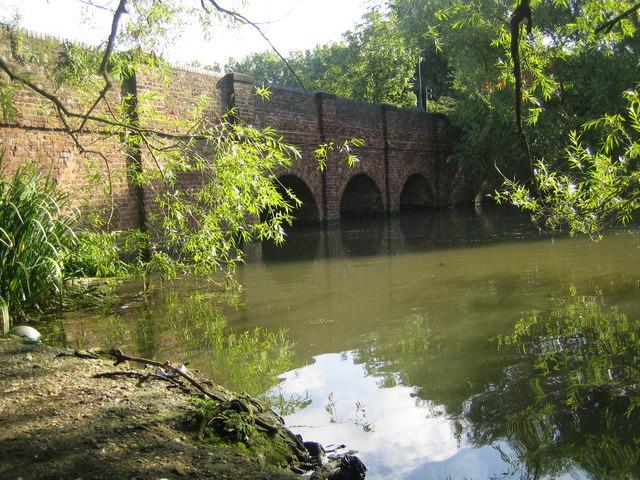 Brent Reservoir, Cool Oak Bridge - geograph.org.uk - 501795