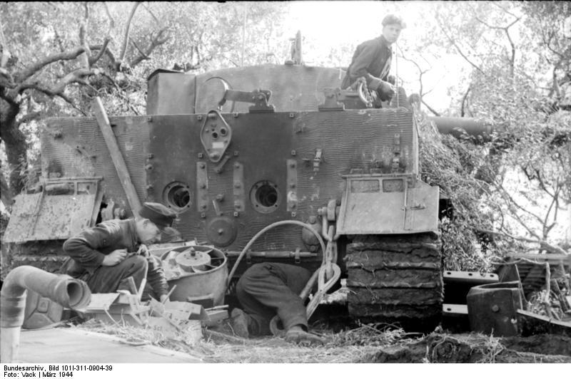 File Bundesarchiv Bild 101i 311 0904 39 Italien Panzer