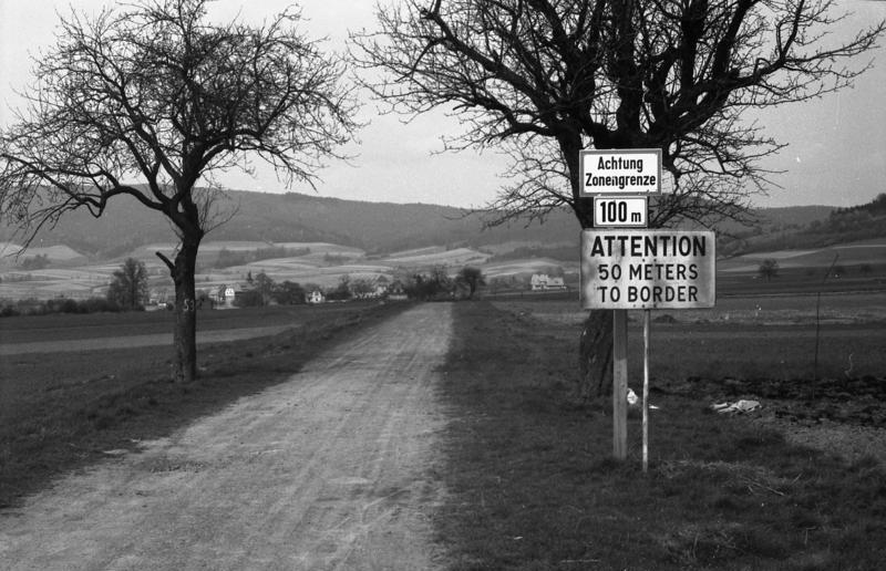 File:Bundesarchiv Bild 183 46248 0003, Zonengrenze Zwischen Bad  Sooden Allendorf