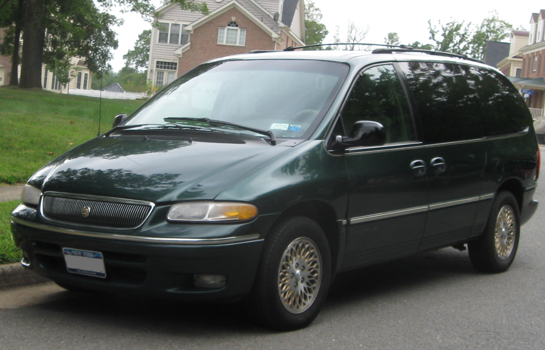 file chrysler town country 09 07 wikimedia commons. Cars Review. Best American Auto & Cars Review
