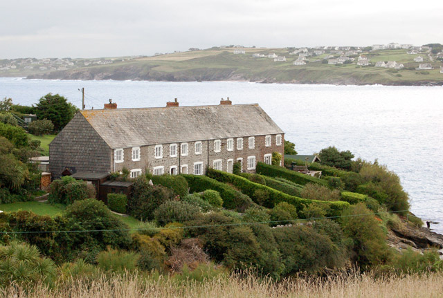Cottages at Hawkers Cove (1) - geograph.org.uk - 1466453