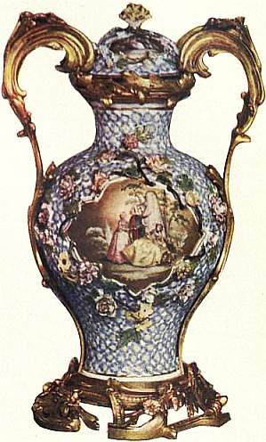 EB1911 Ceramics Plate IX -Meissen. May-flower vase.jpg