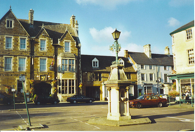 Falcon Hotel, Market Square, Uppingham. - geograph.org.uk - 129380
