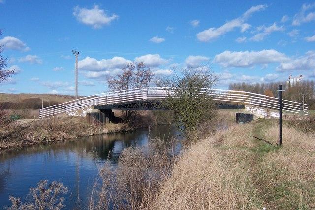 Footbridge over the River Stort (Navigation) - geograph.org.uk - 132574