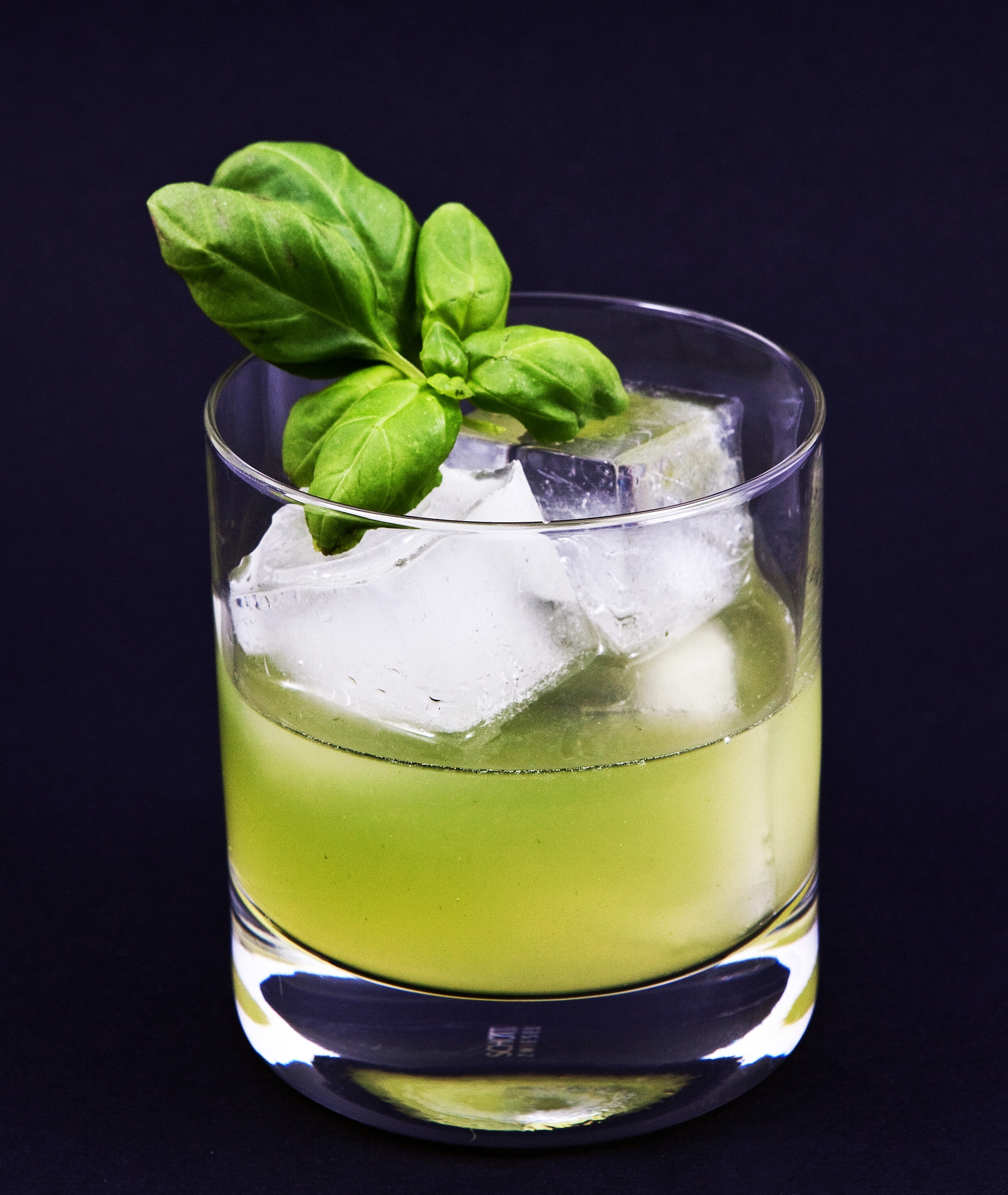 Gin Basil Smash – Wikipedia