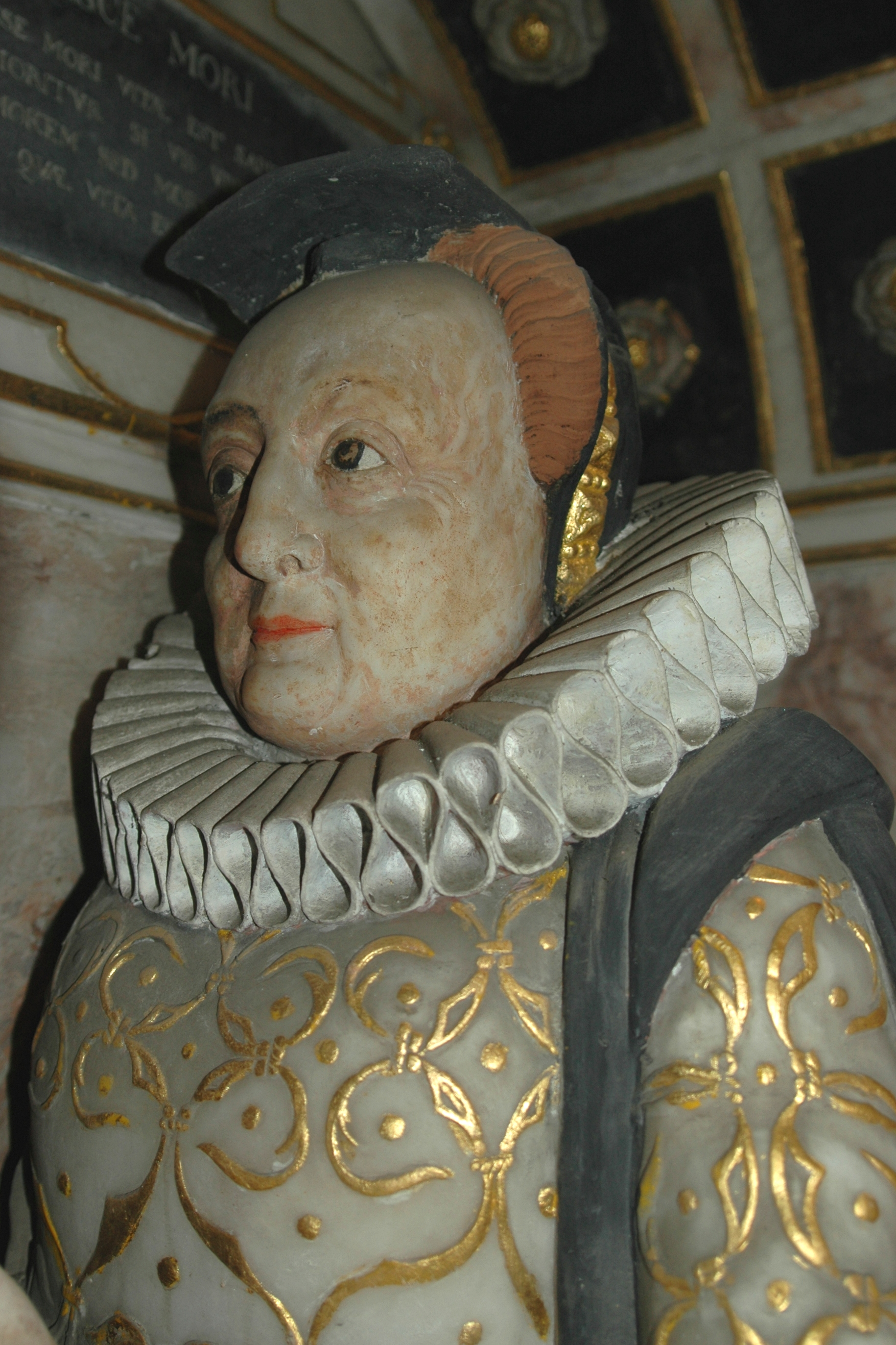 Alabaster likeness of Maud Tesdale in the Tesdale monument in Glympton parish church