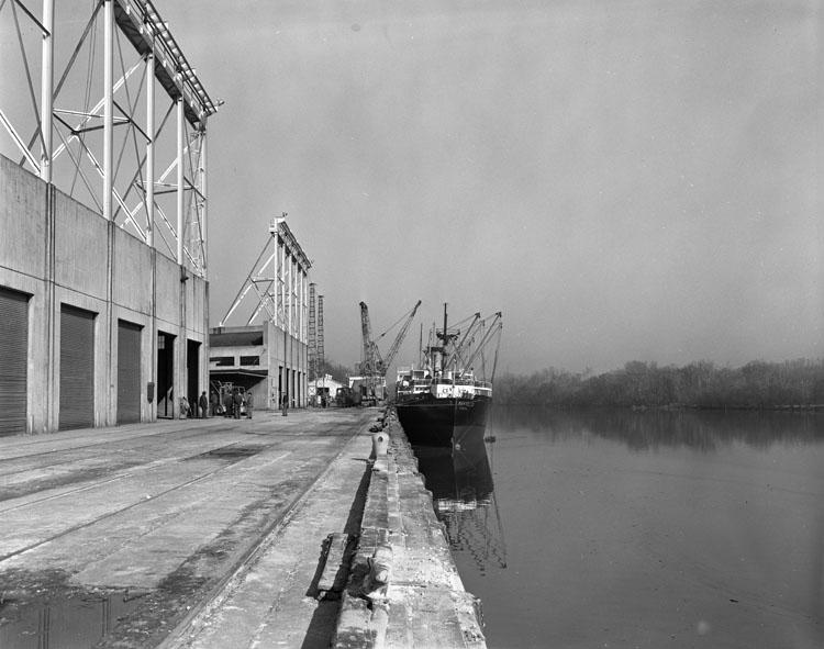 File:Harbor (2899344384).jpg