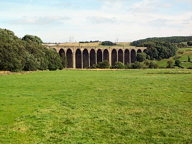 Hewenden Viaduct - geograph.org.uk - 38304