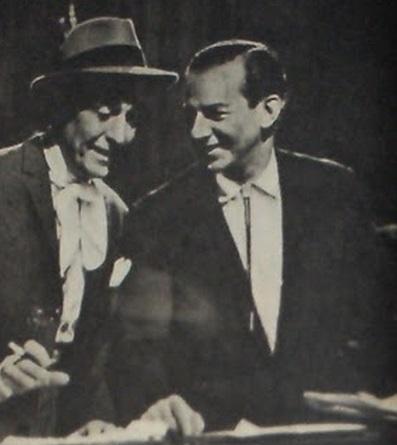 Hugo del Carril y Mariano Mores durante los ensayos de Buenas noches, Buenos Aires. Del Carril sería sancionado por el gobierno de Illía por mostrale la película a Perón. En 1989 Mariano Mores dispondría, a la muerte de Hugo del Carril, que su féretro descanse en su panteón personal, donde se encuentra actualmente.