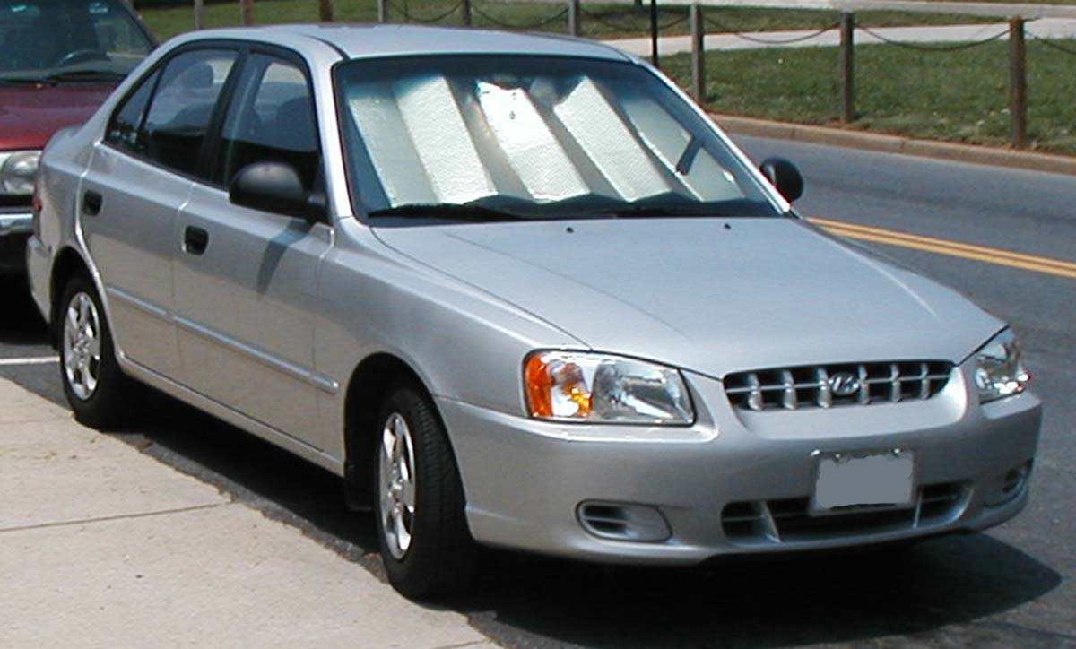 File Hyundai Accent Sedan Jpg Wikimedia Commons