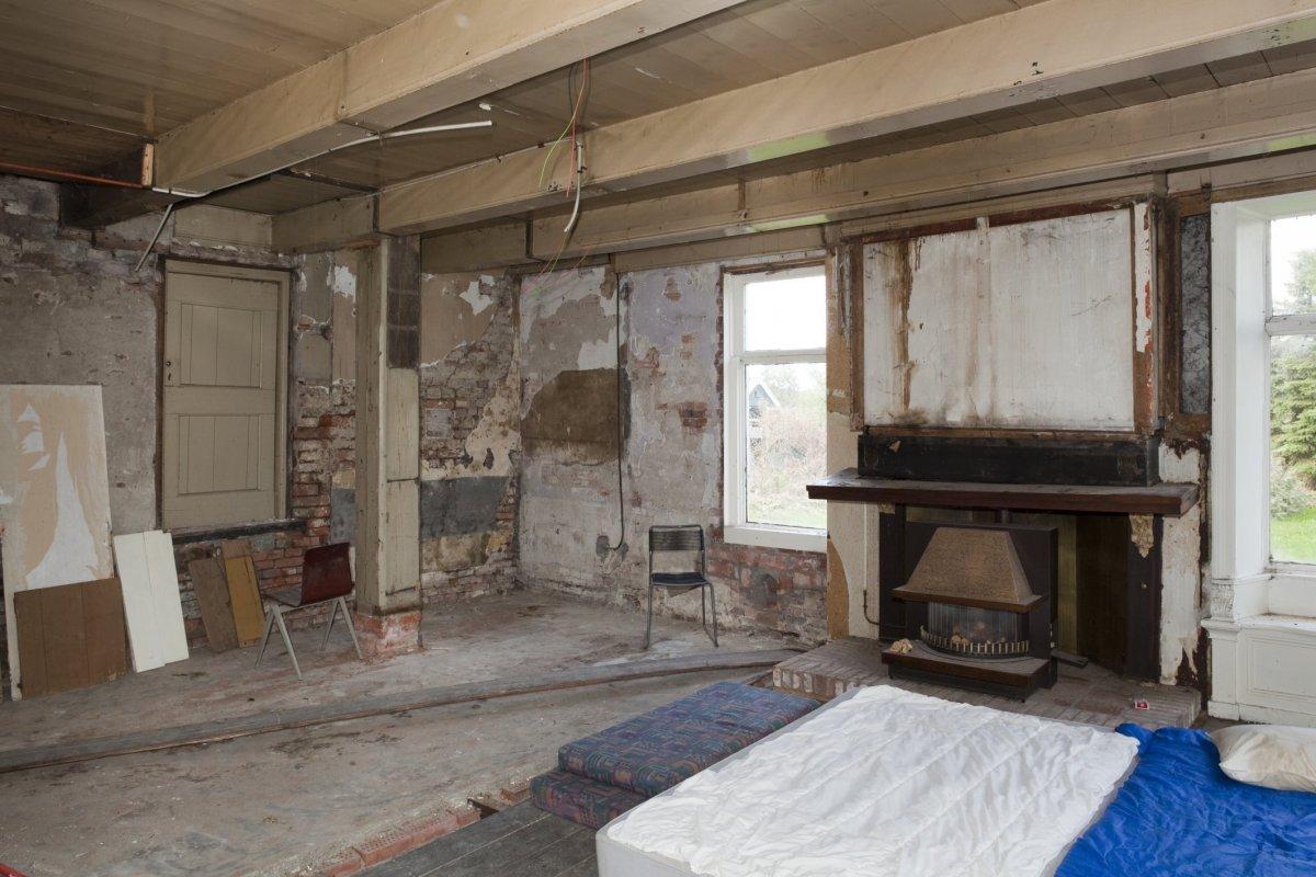 File interieur overzicht woonkamer met schouw wedde 20530421 wikimedia commons - Interieur woonkamer ...