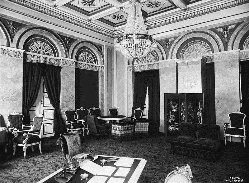 Interior of Royal Palace, Oslo OB.Y3987.jpg