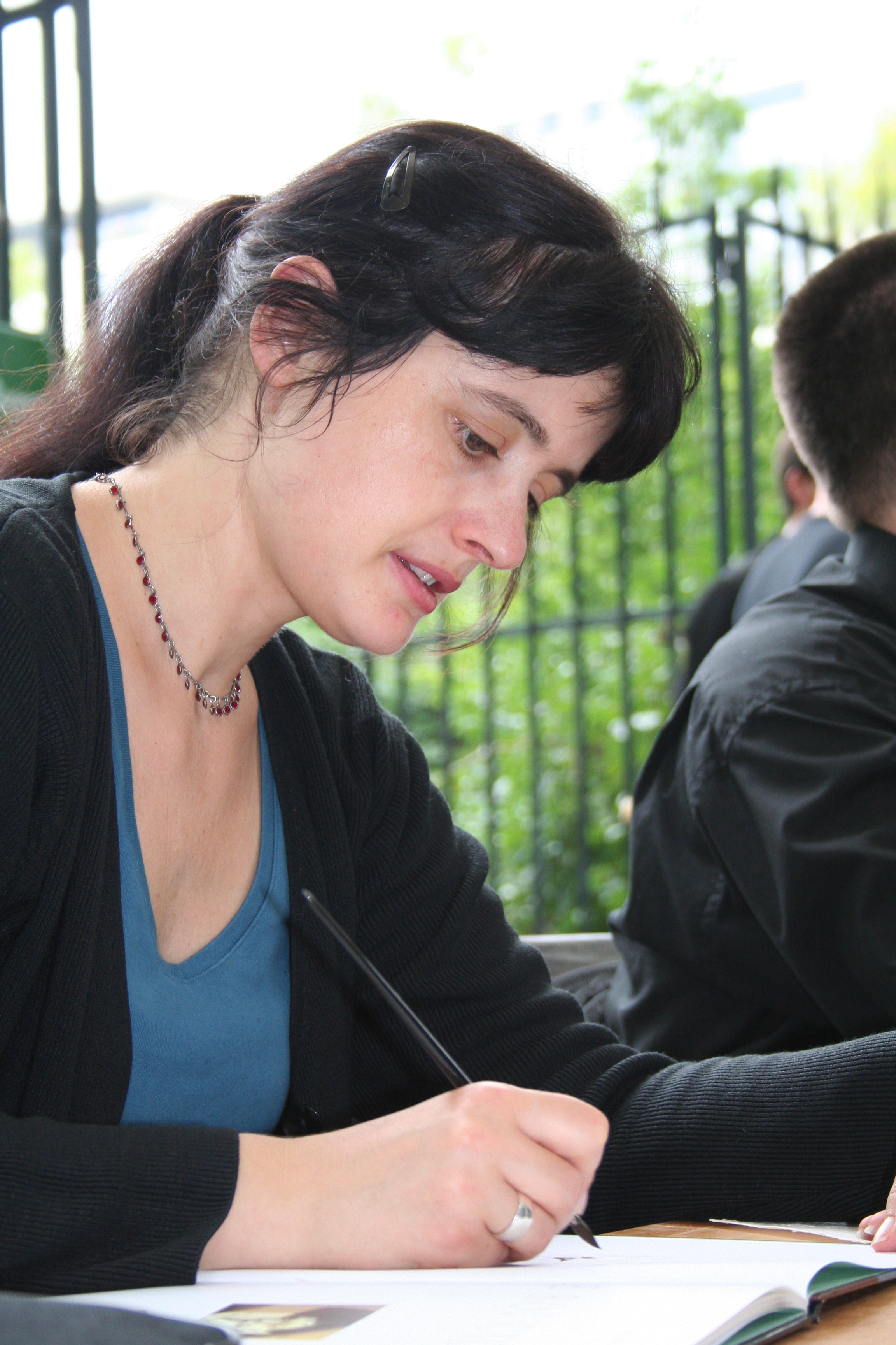 Isabelle Dethan — Wikipédia