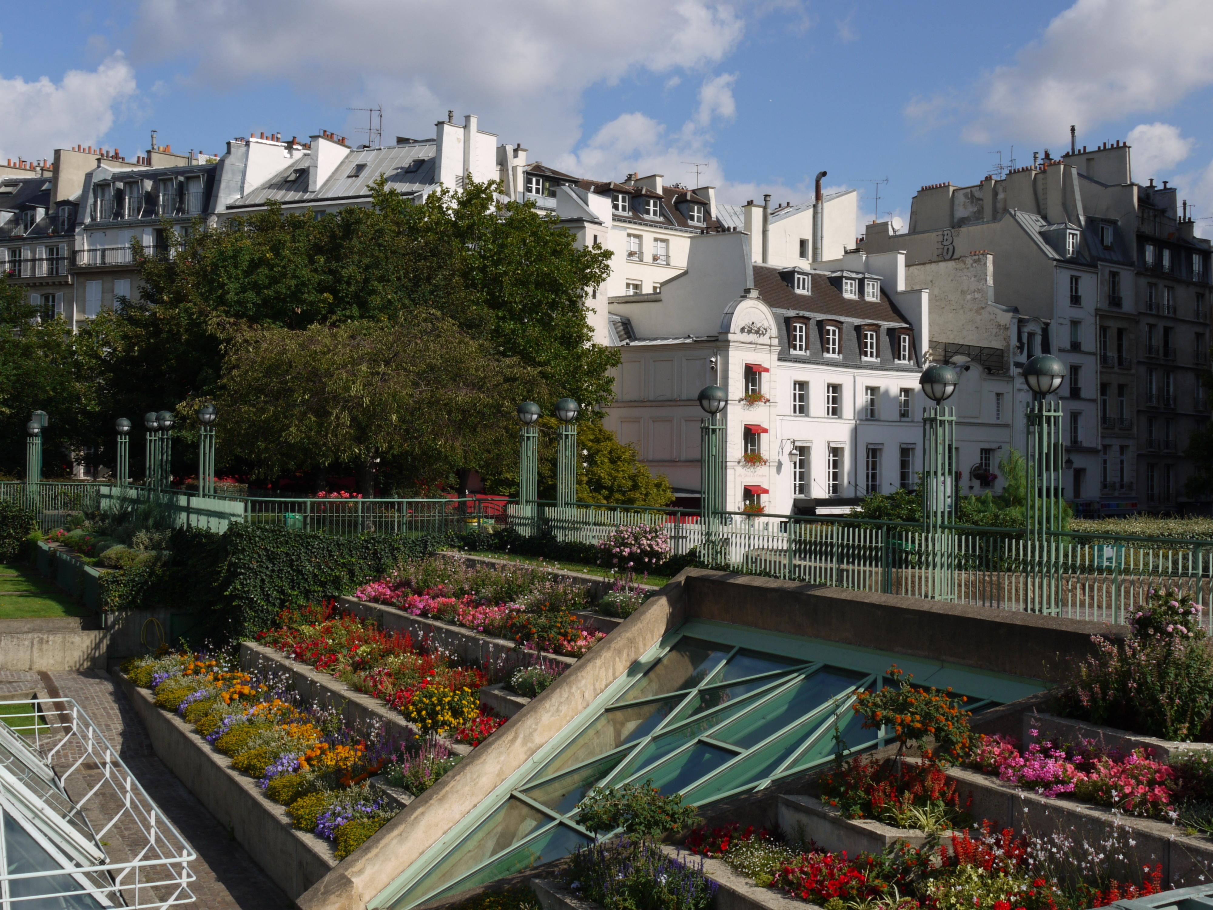 File jardin des halles paris p1060098 jpg wikimedia commons for Jardin paris