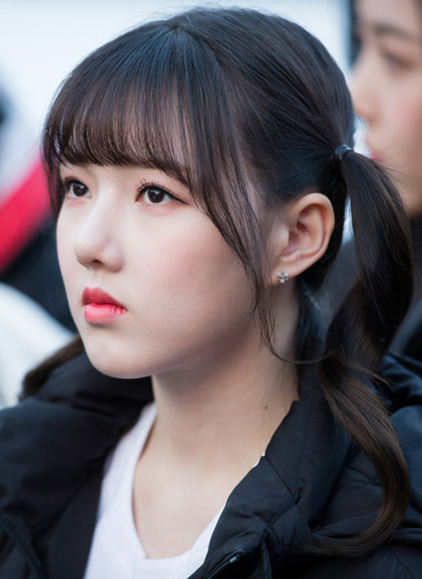 Capítulo 3 - Página 11 Jung_Yerin_going_to_work_on_January_15%2C_2018