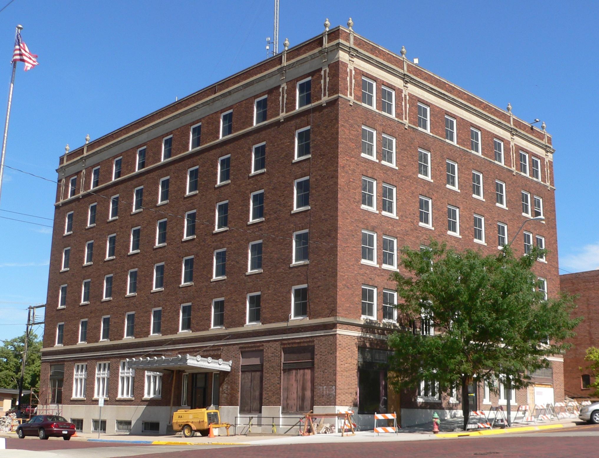 File Keystone Hotel Mccook Nebraska From Se 1 Jpg Wikimedia