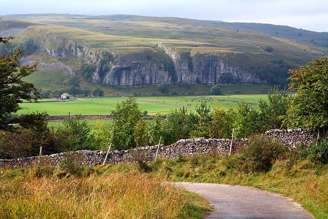 Kilnsey Crag. - geograph.org.uk - 566475
