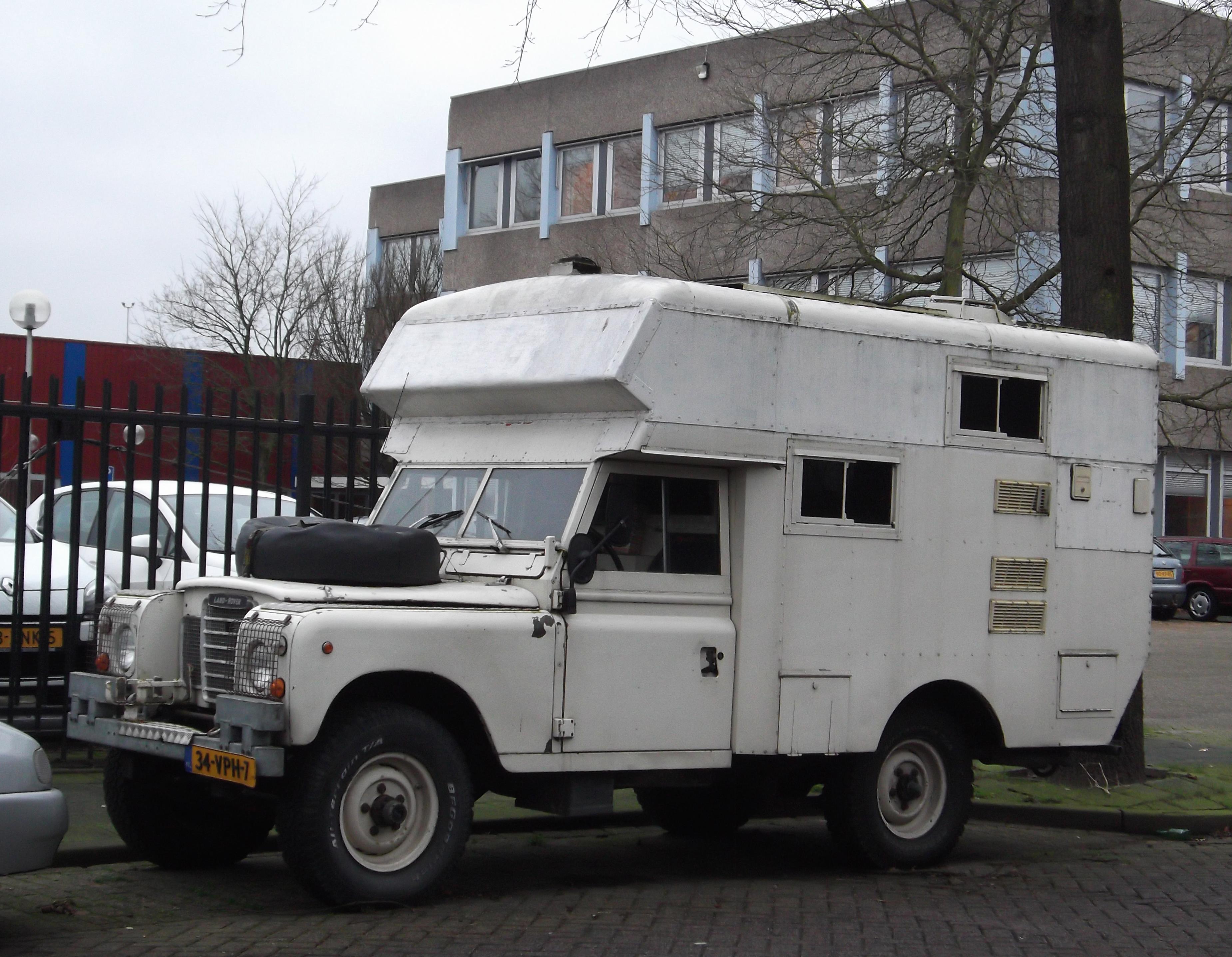 File Land Rover 109 Camper 11967988204 Jpg Wikimedia