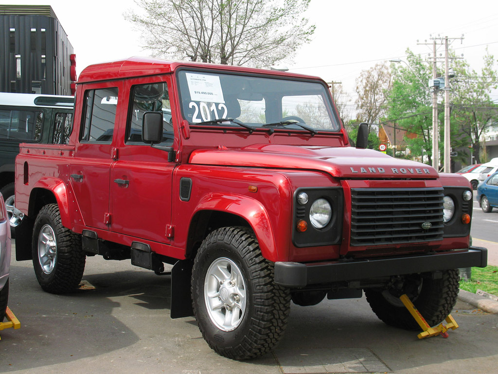 file land rover defender 110 pick up wikimedia commons. Black Bedroom Furniture Sets. Home Design Ideas