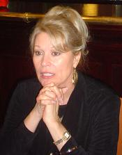 Il 69-anni, 173 cm alto Leslie Easterbrook in 2018 photo