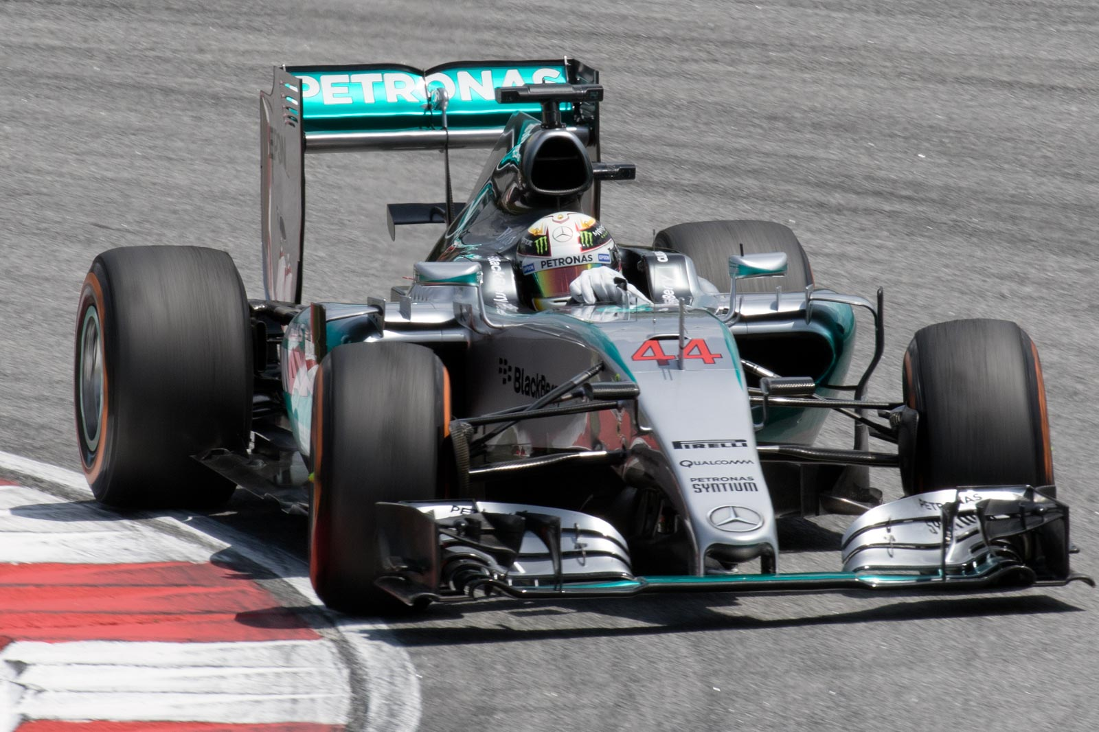 Lewis_Hamilton_2015_Malaysia_FP3_1.jpg