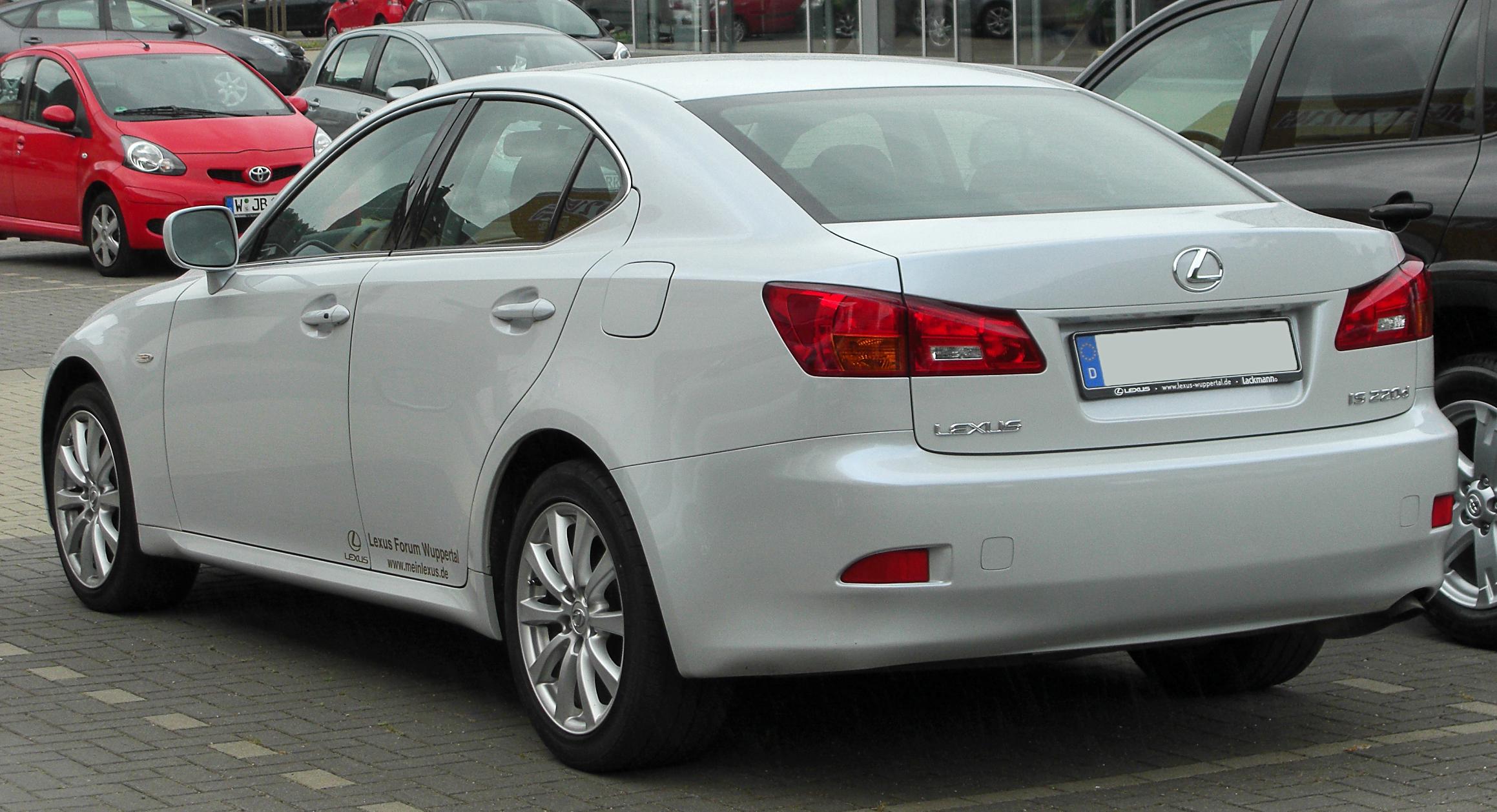 Liste des véhicules Lexus IS 220 dont les utilisateurs suivent la consommation