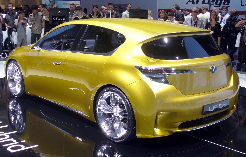 https://upload.wikimedia.org/wikipedia/commons/b/b3/Lexus_LF-Ch_Heck.JPG
