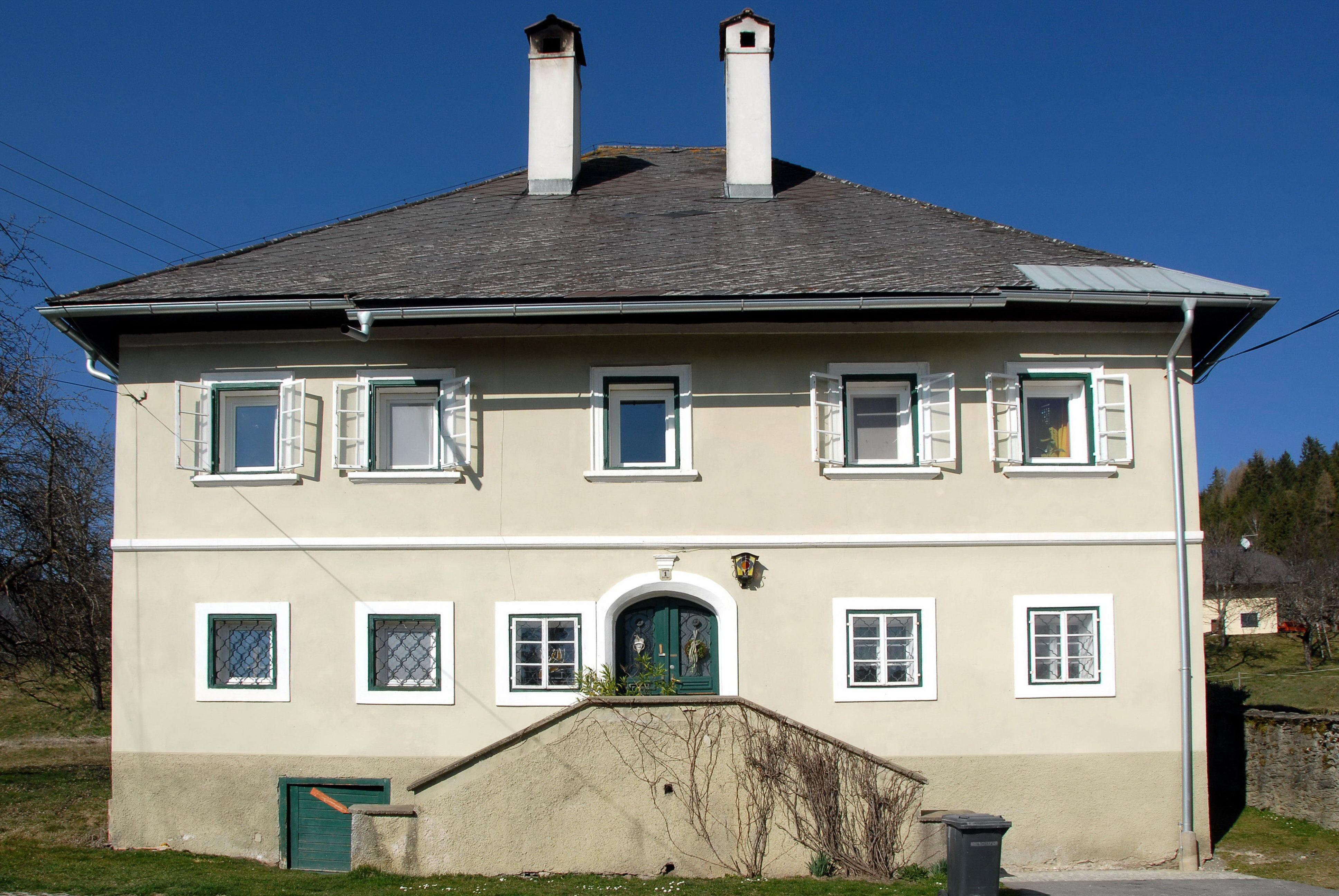 Datei:Liebenfels Burgruine kleiner Turm 04082007 comunidadelectronica.com