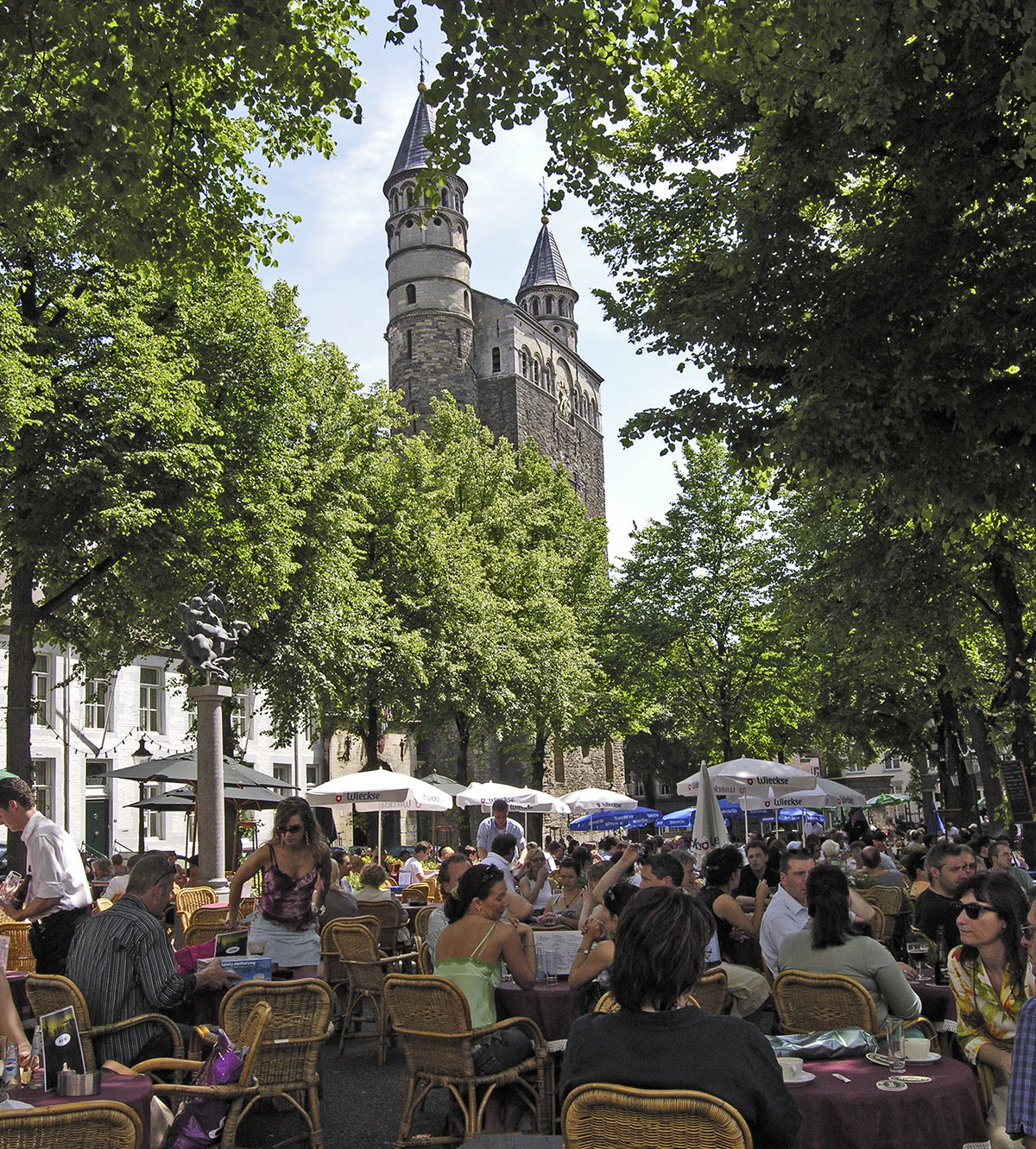 Onze lieve vrouweplein - Maastricht mobel ...